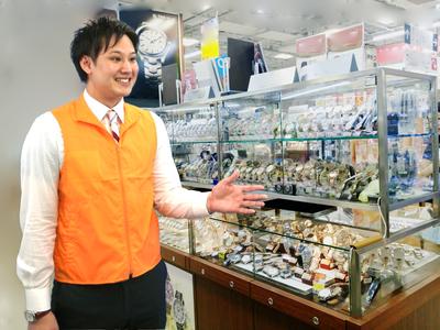 秋葉原駅近くの家電量販店(時計販売) のバイトメイン写真